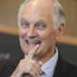 Alan Alda tells scientists to cut the jargon, tell a story