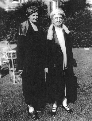 Flora Rose and Martha Van Rennselaer
