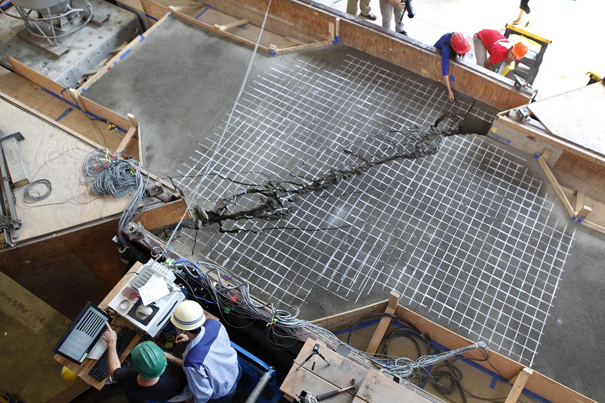 Earthquake test crack